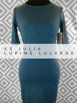 Julia (XS)